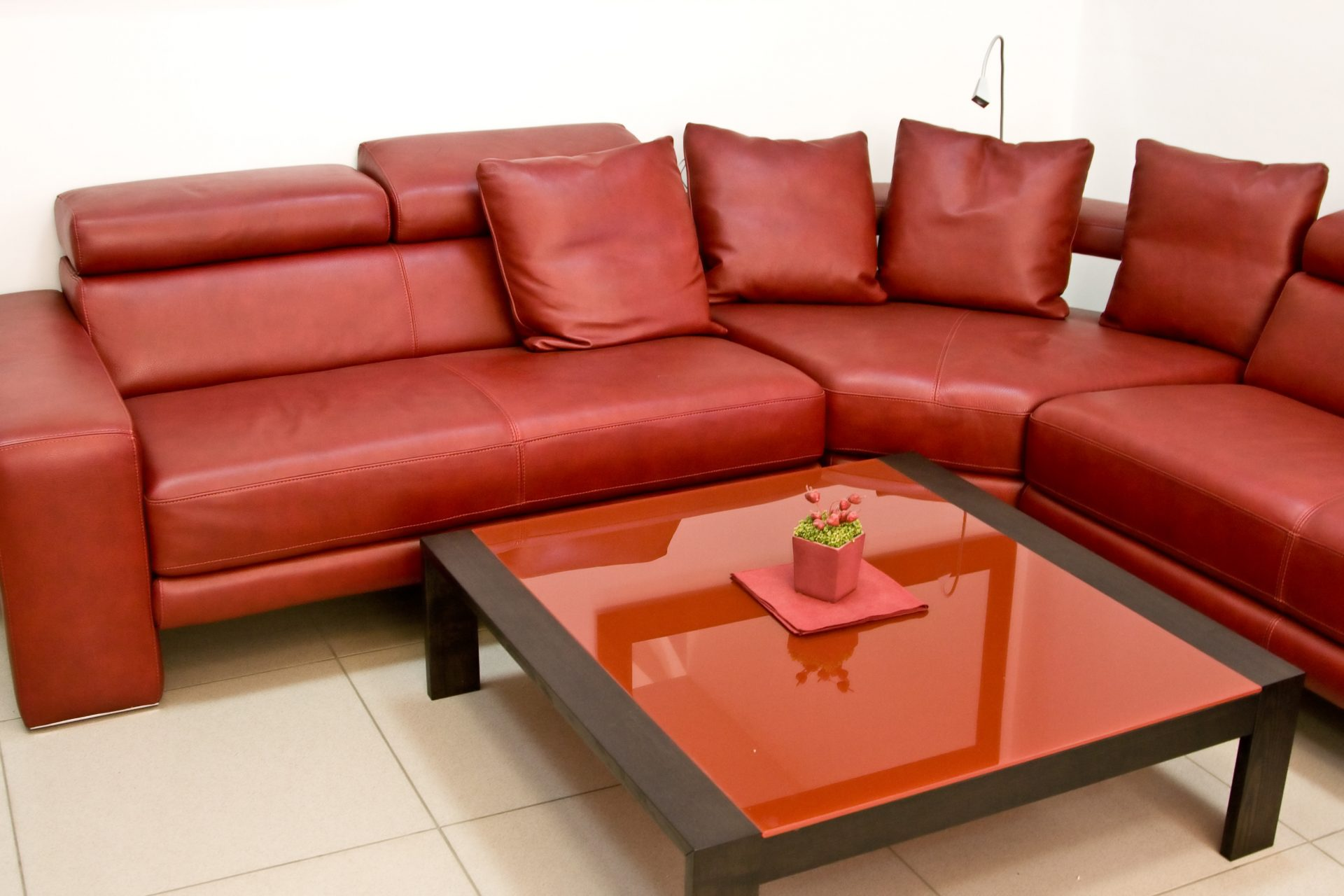 How to Choose the Best Leather Furniture for Your Living ...